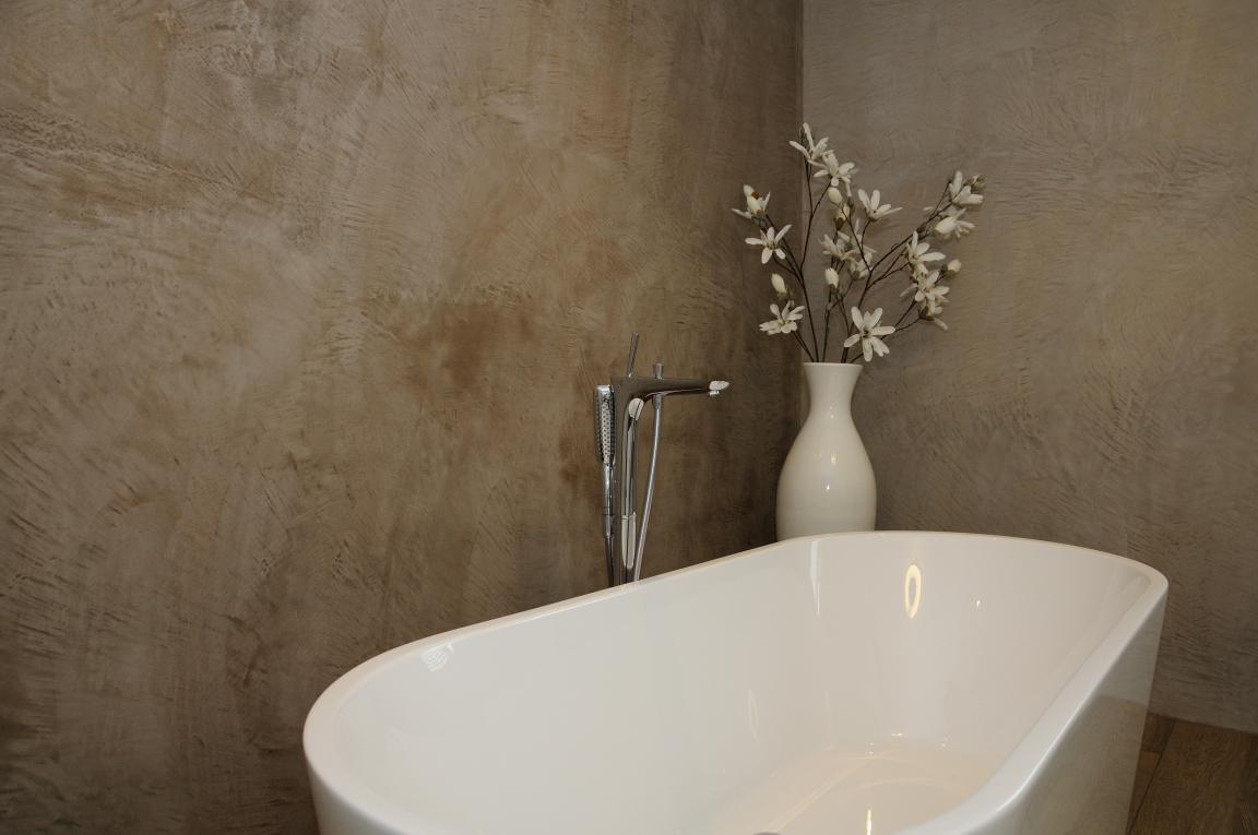 Badkamer en toilet afgewerkt met beton look – Stukadoorsbedrijf ...