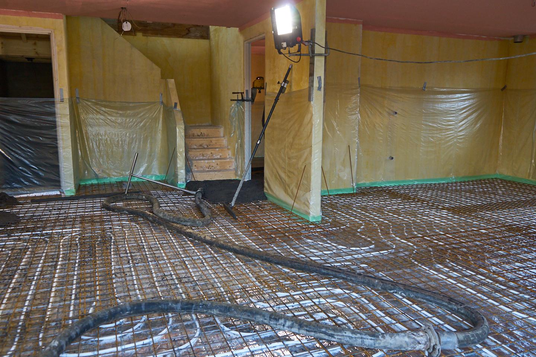 Badkamer Vloer Storten : Beton vloer storten badkamer vloer storten fotobeeld fotos van